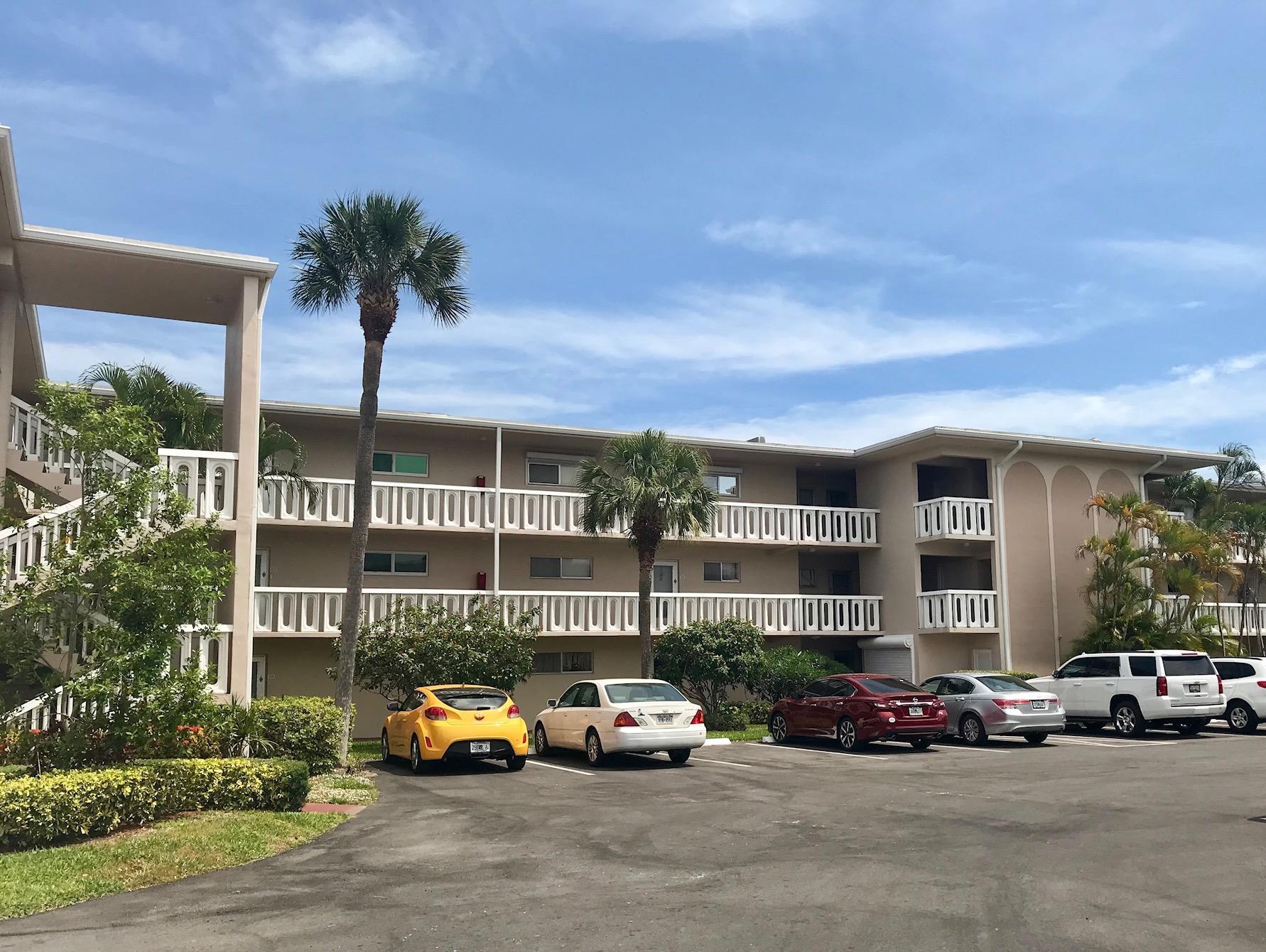 2566 Garden Drive 210 Lake Worth, FL 33461