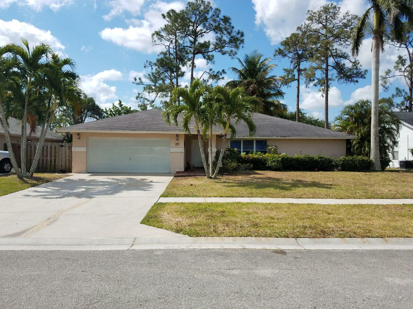 197 NW Sunflower Circle Royal Palm Beach, FL 33411 photo 1