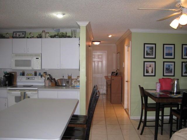 197 NW Sunflower Circle Royal Palm Beach, FL 33411 photo 4