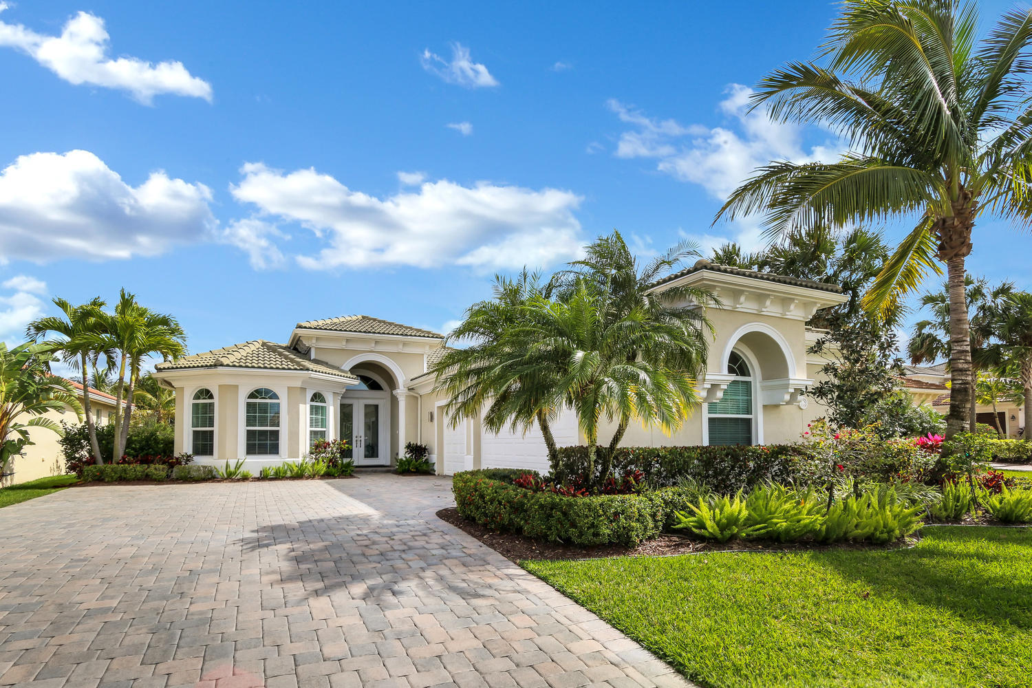 JUPITER COUNTRY CLUB REAL ESTATE