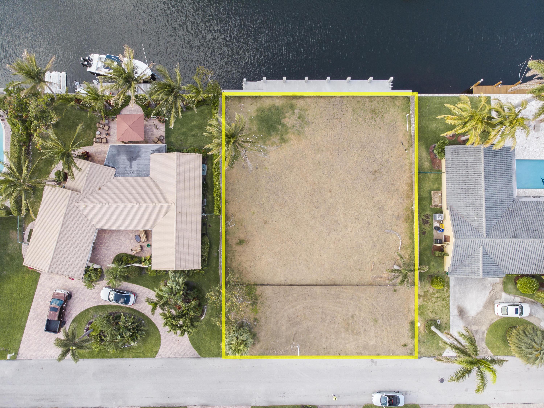 933 Allamanda Drive Delray Beach, FL 33483 photo 5