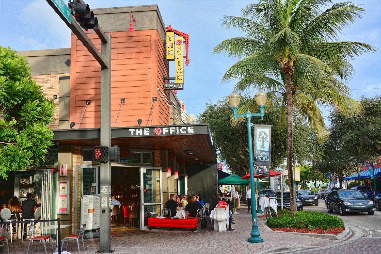 933 Allamanda Drive Delray Beach, FL 33483 photo 7