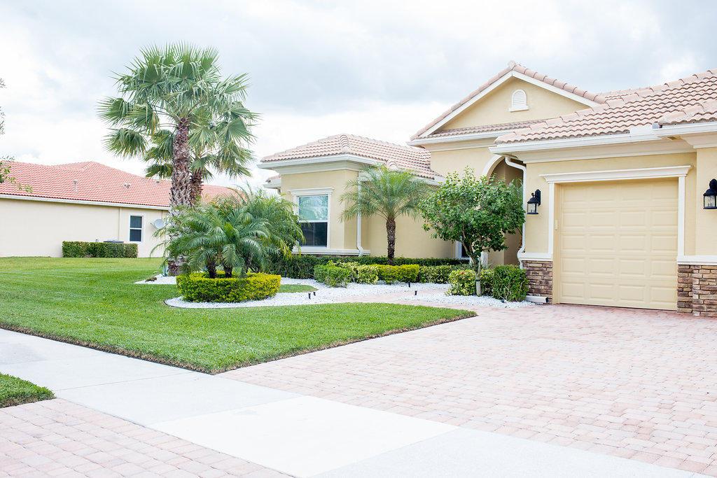 TRES BELLE STUART FLORIDA