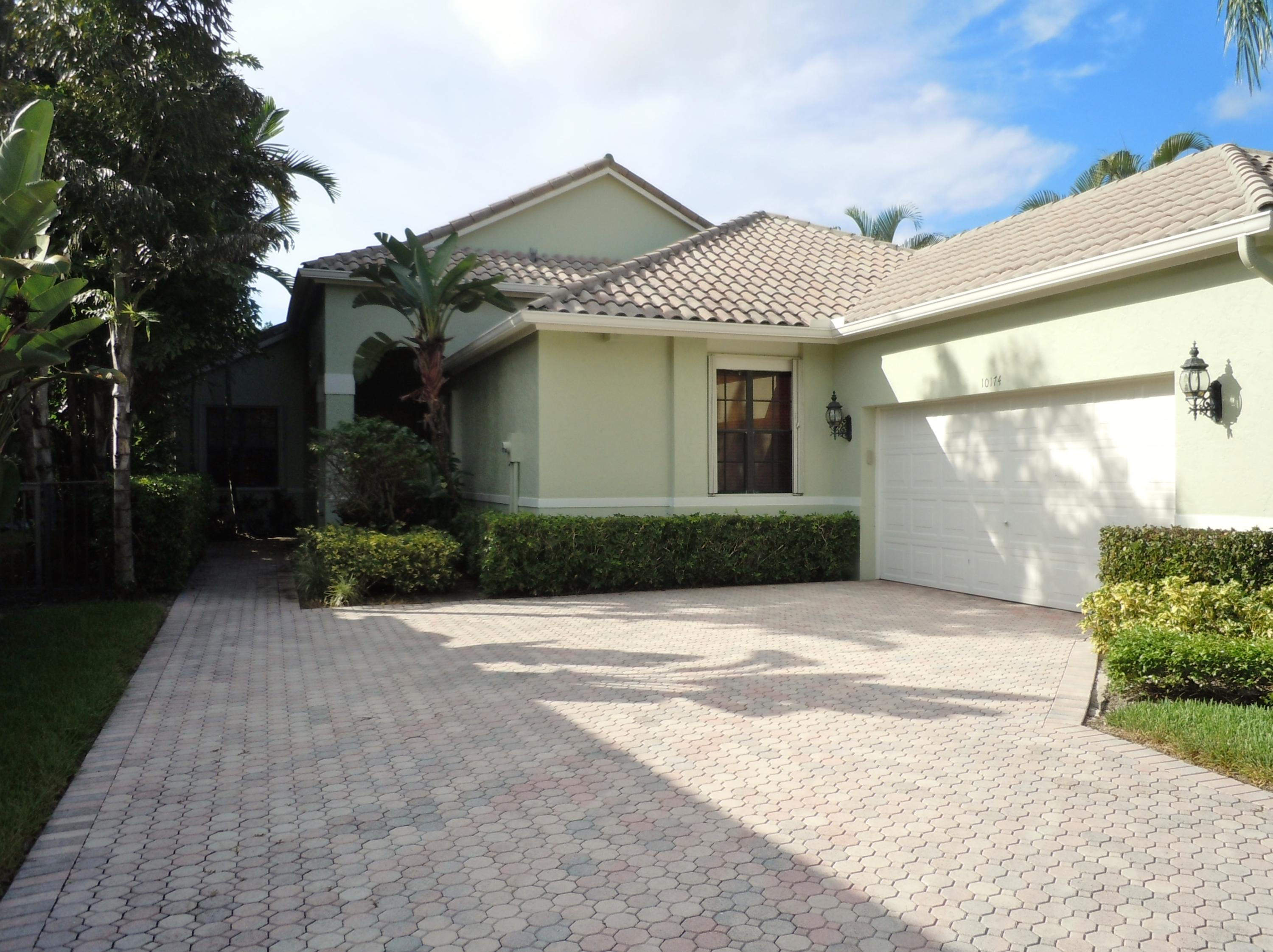 10174 Dover Carriage Lane Wellington, FL 33449