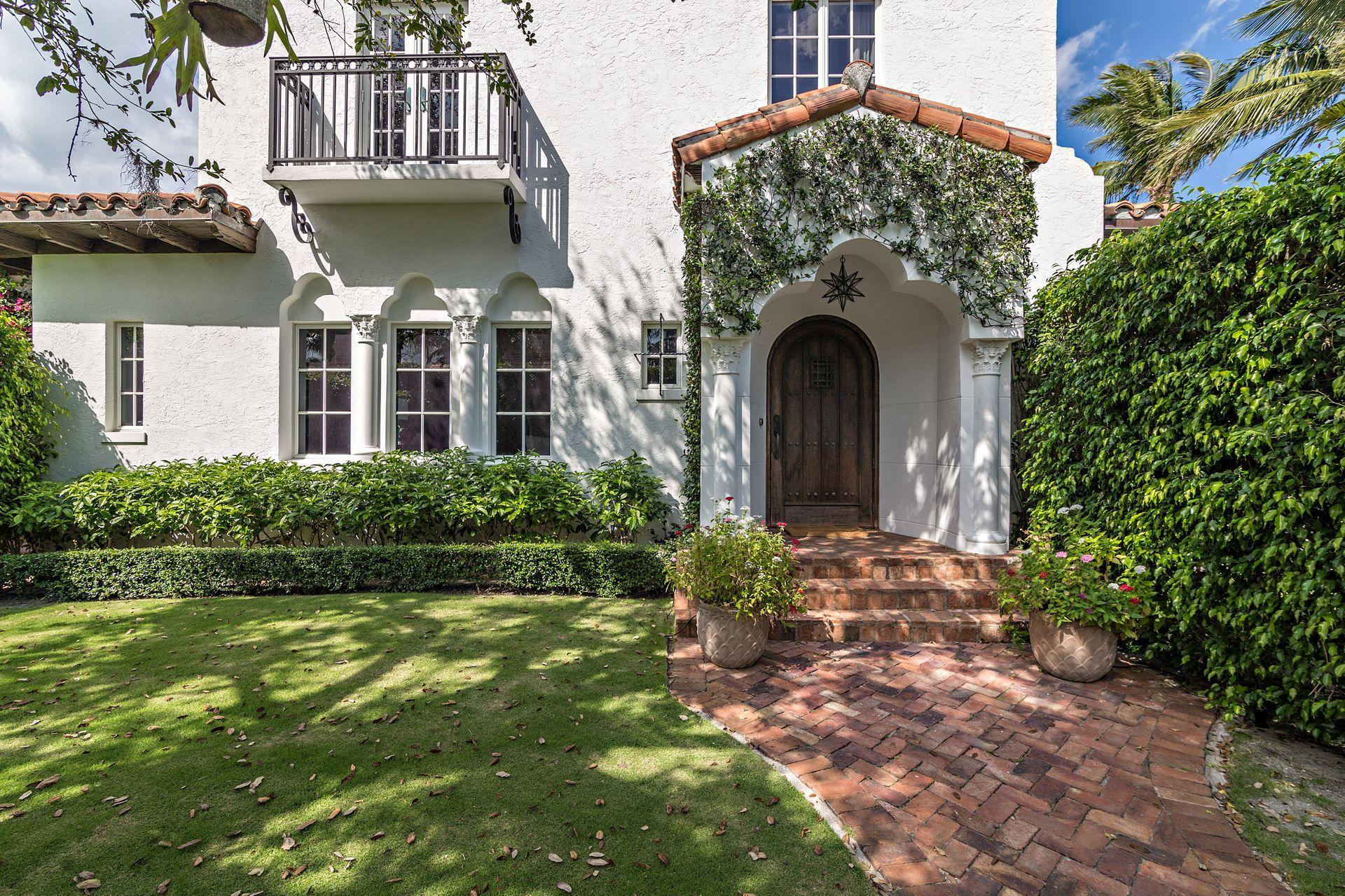 229 E Lakewood Road - West Palm Beach, Florida
