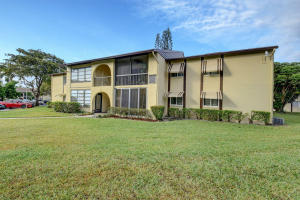 Property for sale at 325 Pine Ridge Circle Unit: B-1, Greenacres,  Florida 33463