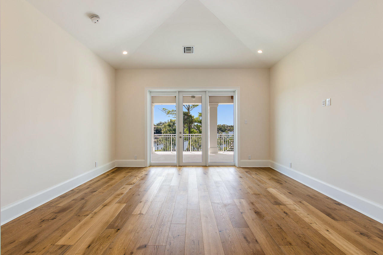 OLD CYPRESS POINTE TEQUESTA REAL ESTATE
