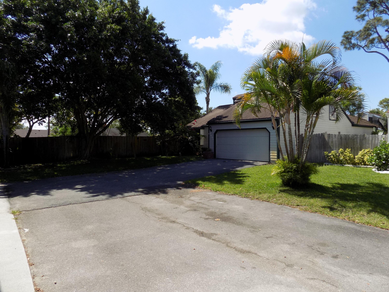 461 Park Forest Way Wellington, FL 33414 photo 4