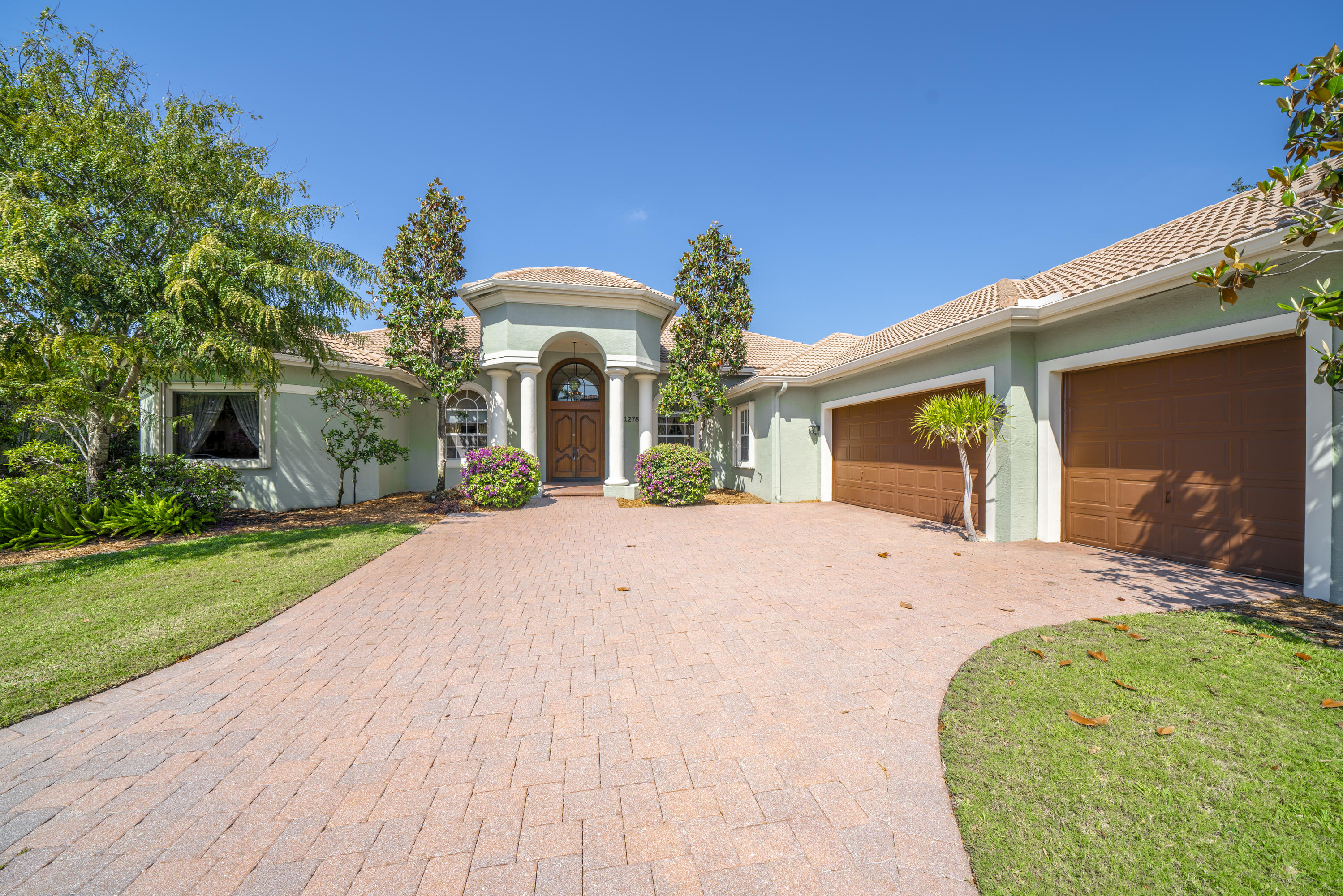 Home for sale in MIZNER ESTATES OF PALM BEACH POLO & COUN Wellington Florida