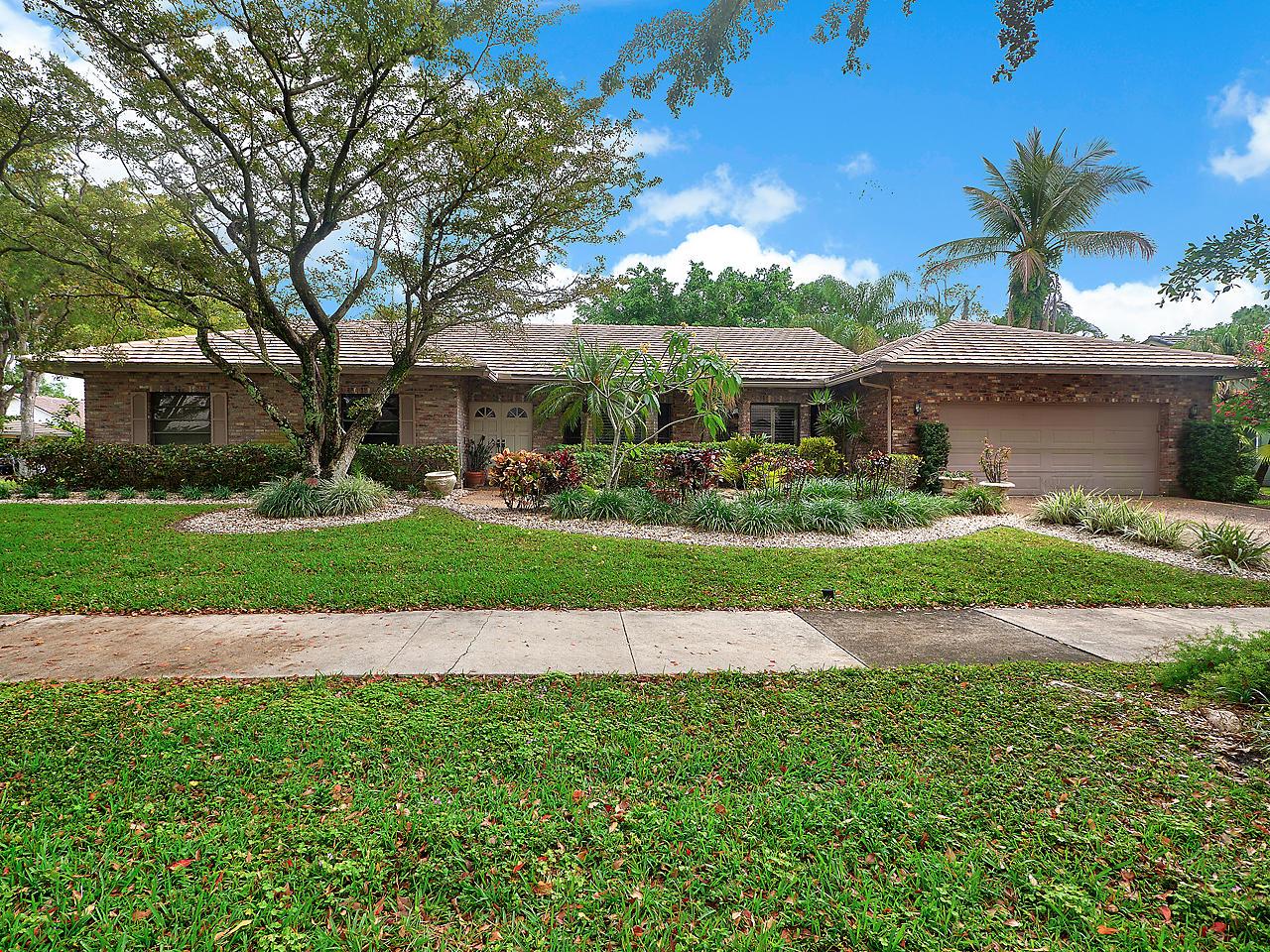 2420 NW 40th Circle  Boca Raton, FL 33431