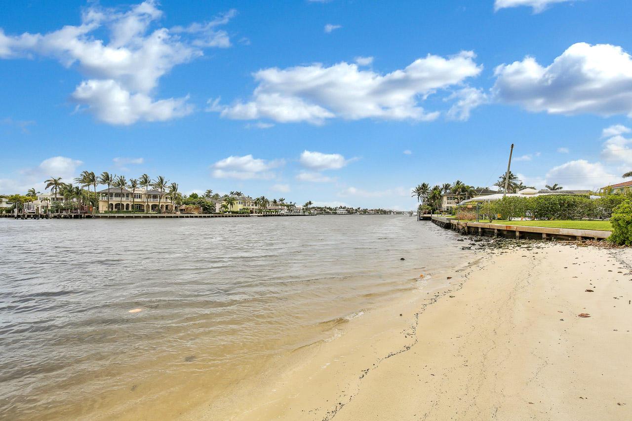 611 SE 7th Street 403  Delray Beach, FL 33483