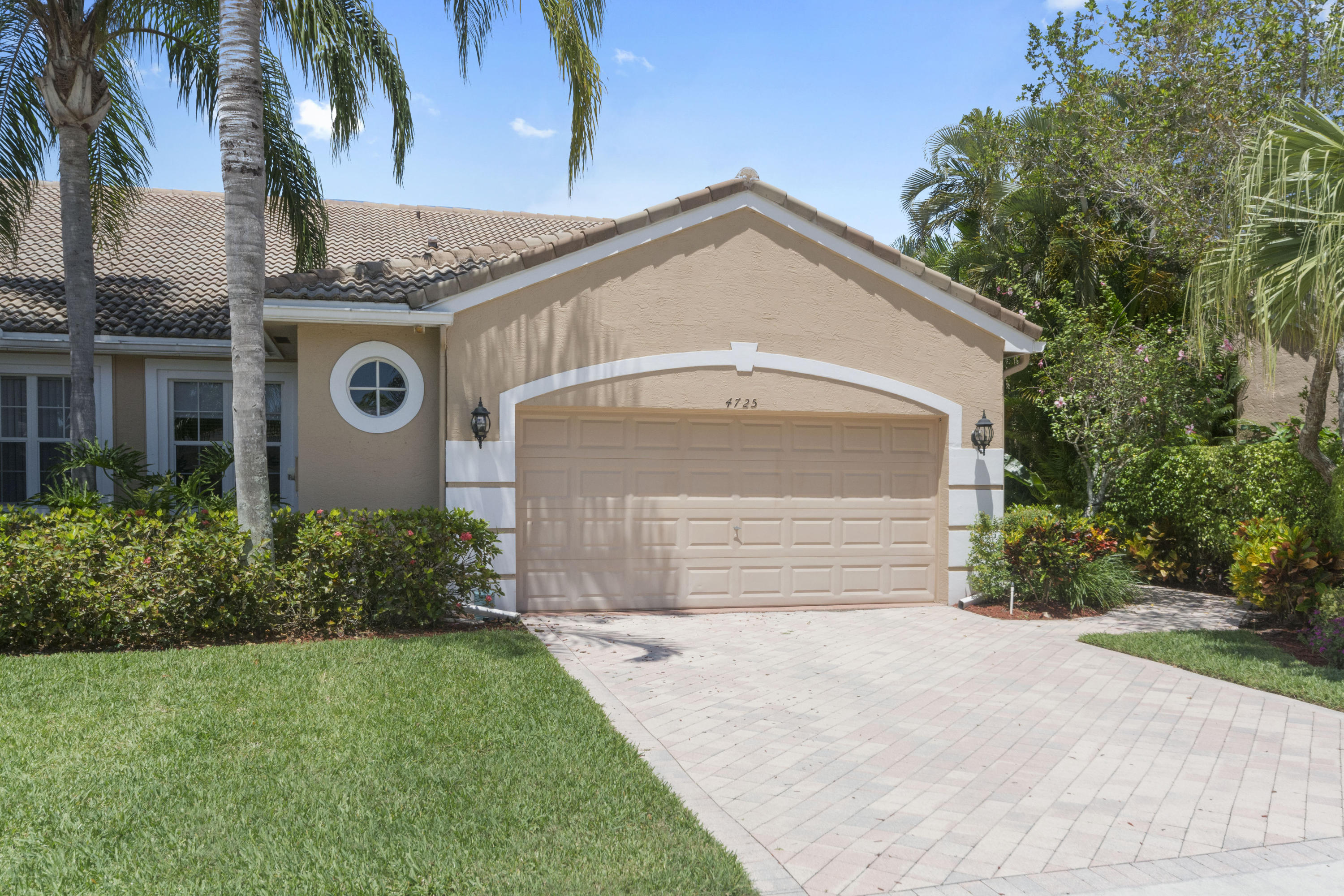 4725 Carlton Golf Drive Wellington, FL 33449