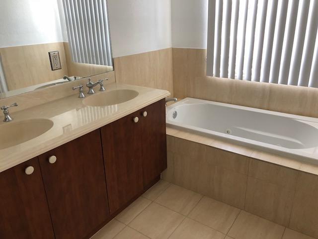 2725 NE 8th Avenue 116 Wilton Manors, FL 33334 photo 14