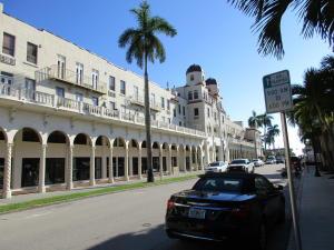 Palm Beach Hotel Condo Decl 2-12-81