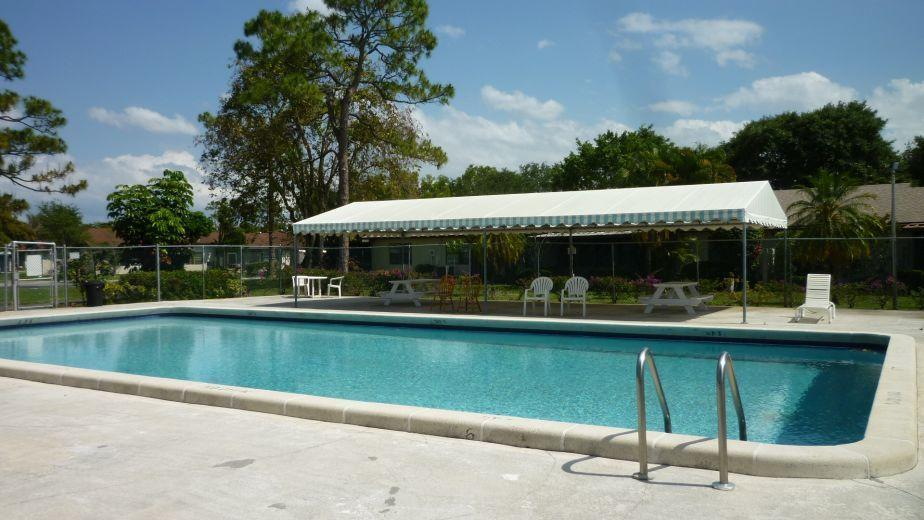 98 Conaskonk Circle Royal Palm Beach, FL 33411 photo 17