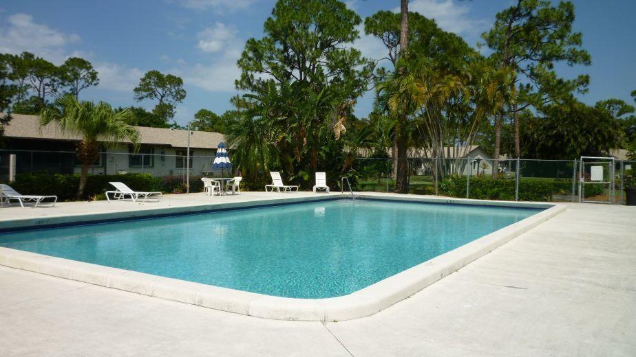 98 Conaskonk Circle Royal Palm Beach, FL 33411 photo 18