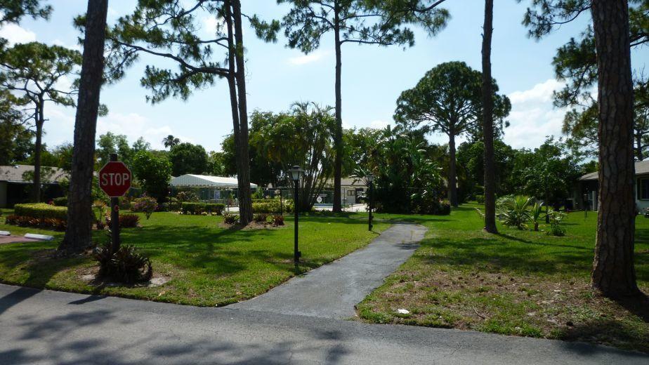 98 Conaskonk Circle Royal Palm Beach, FL 33411 photo 19