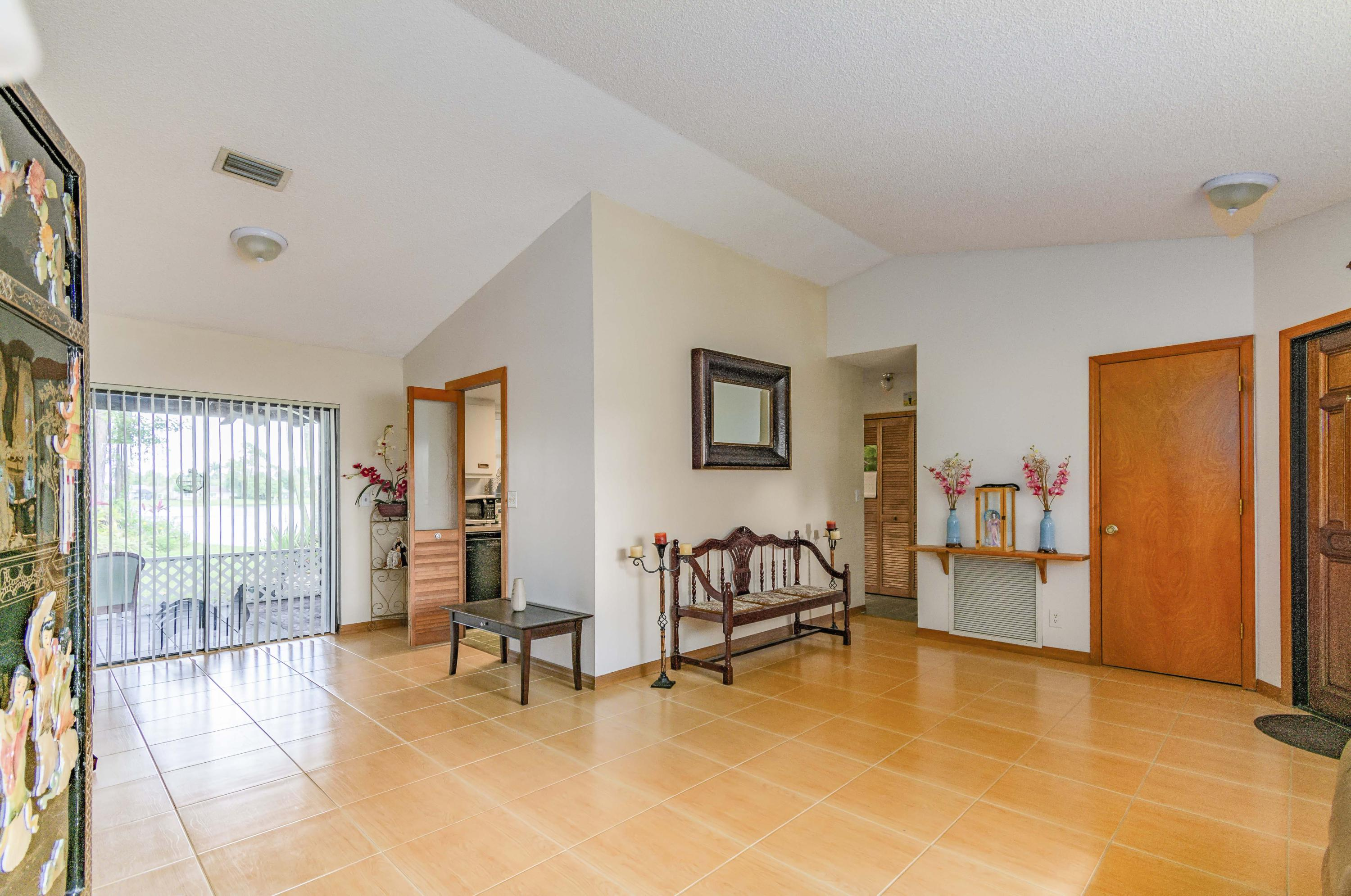 123 Parkwood Drive Royal Palm Beach, FL 33411 small photo 9