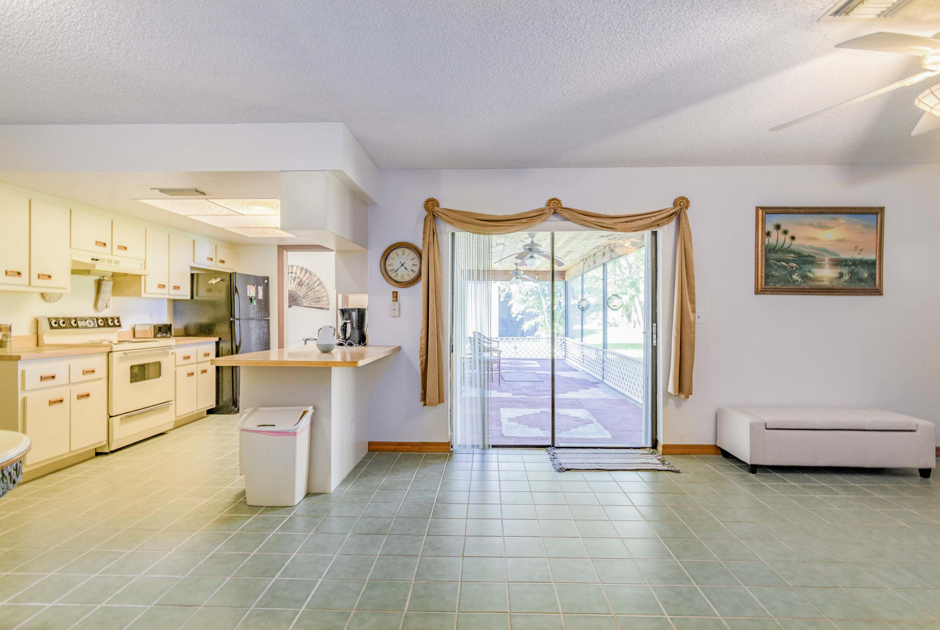123 Parkwood Drive Royal Palm Beach, FL 33411 small photo 13