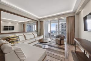 551 Flb Condominium Hotel