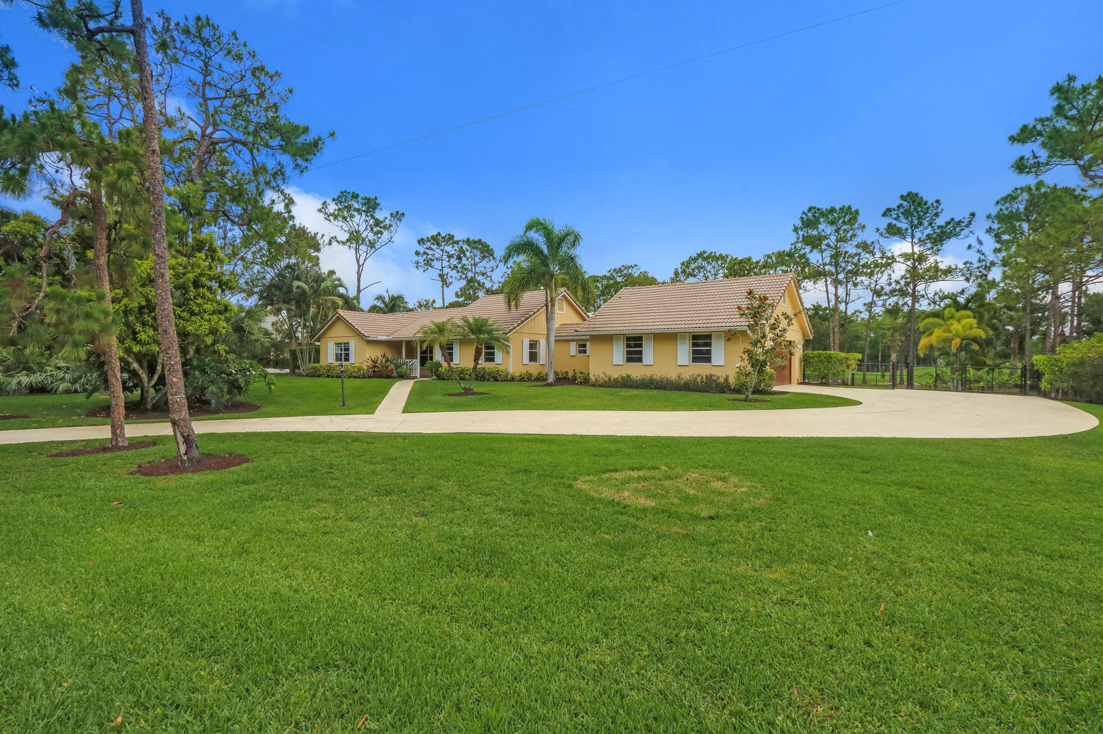 New Home for sale at 1392 Colony Way  in Jupiter