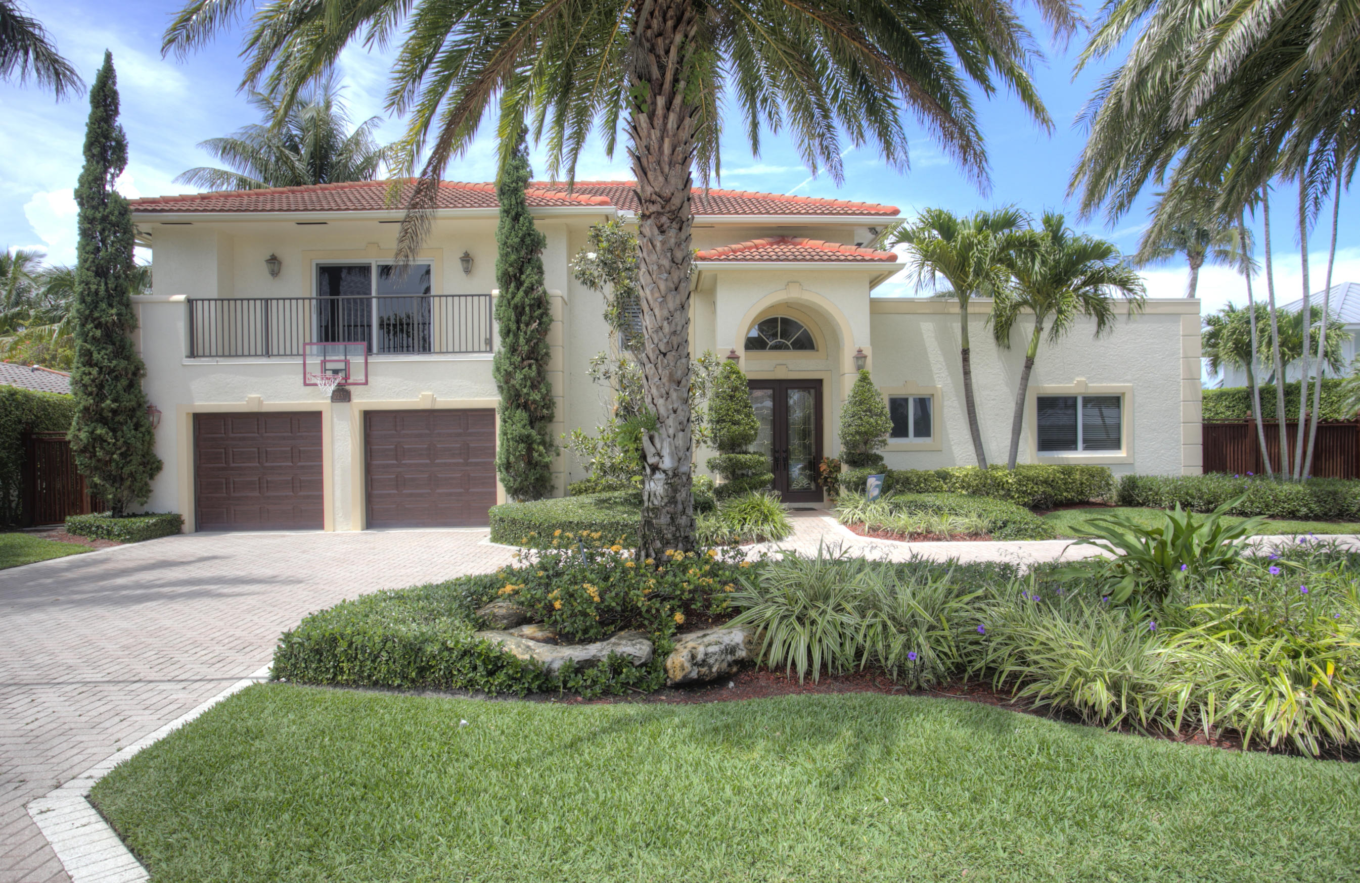 Home for sale in HILLSBORO ISLES 29-4 B Lighthouse Point Florida