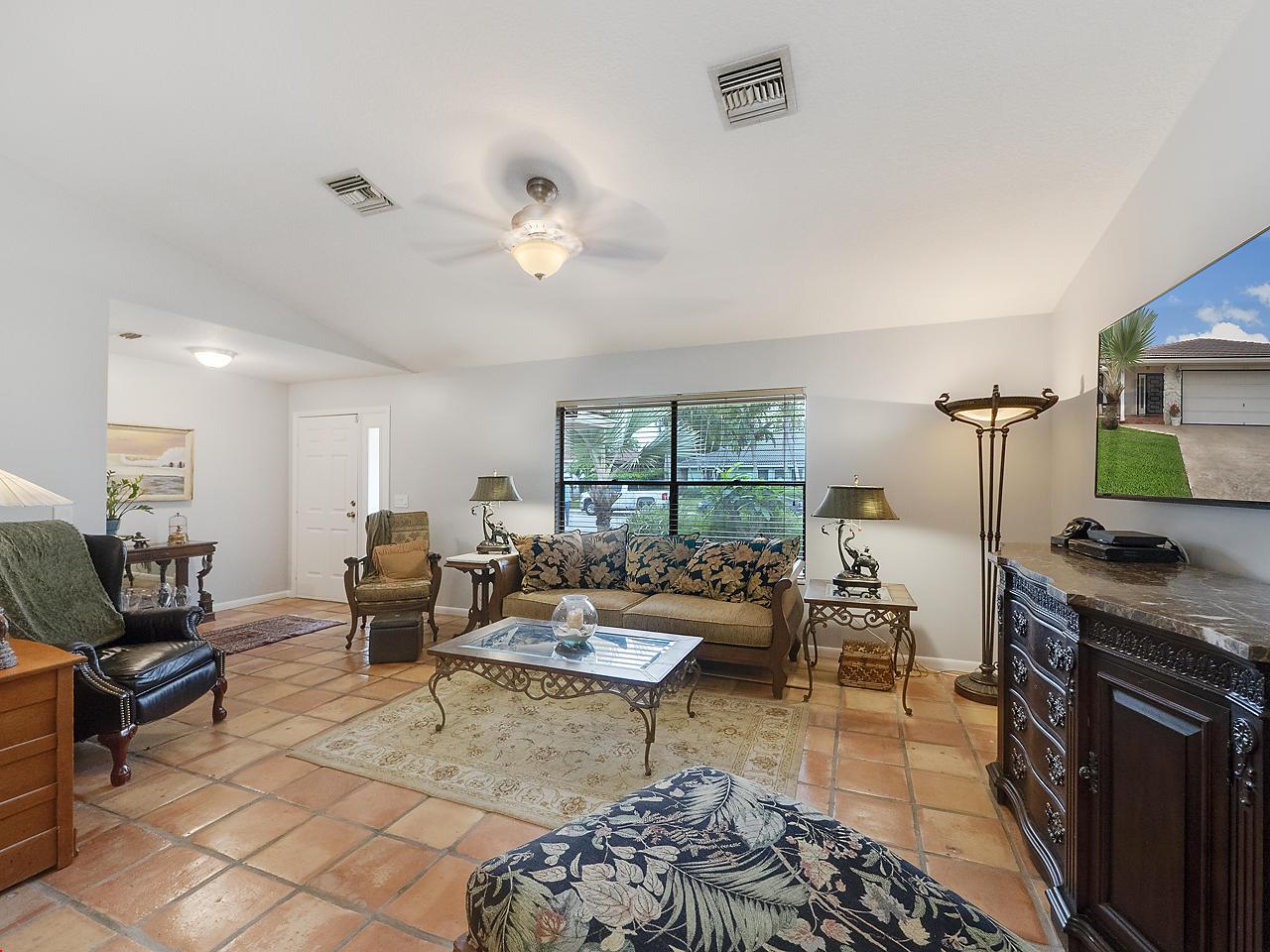 1710 Kelso Avenue Lake Worth, FL 33460 photo 4