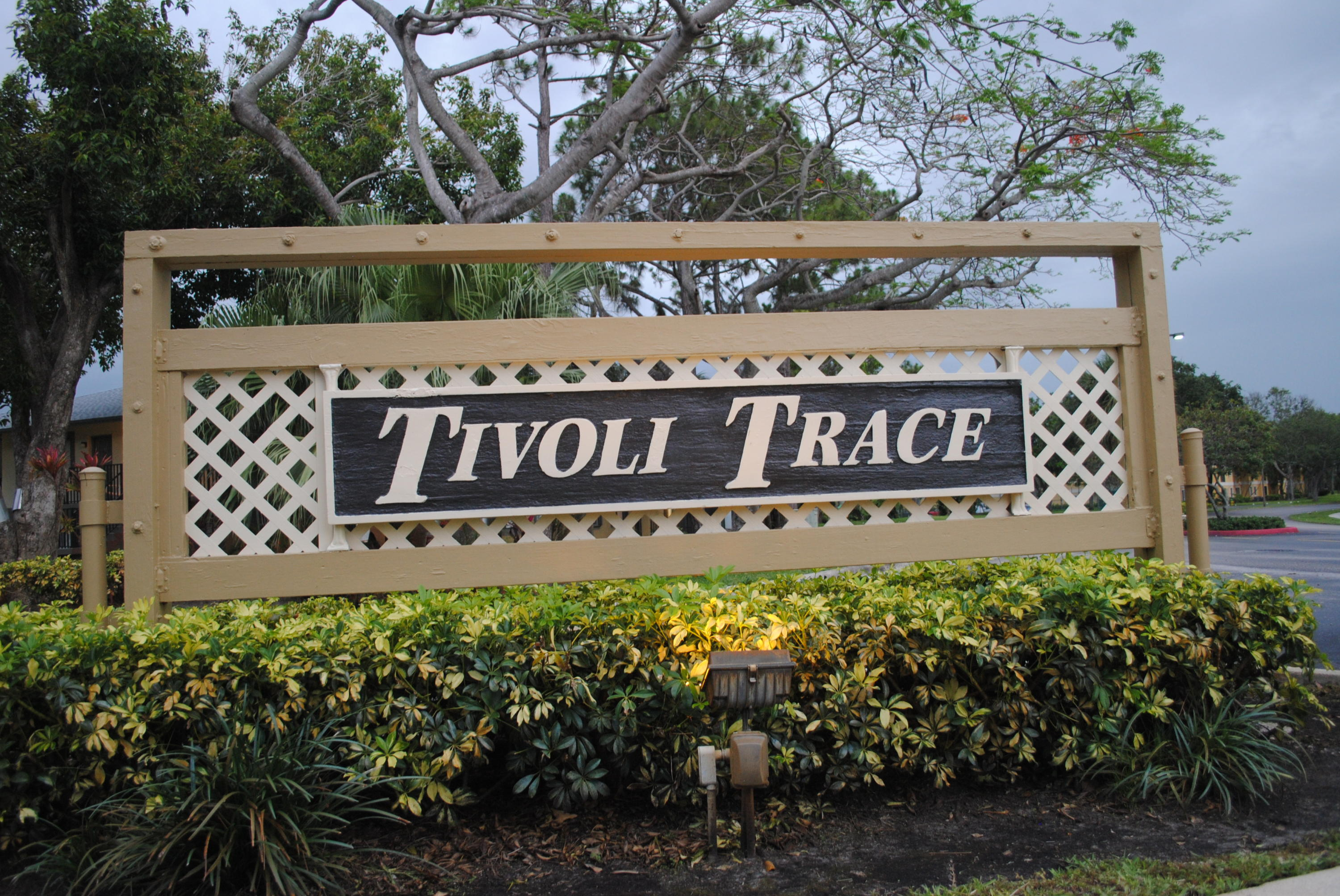 567 Tivoli Trace Circle, 105 - Deerfield Beach, Florida