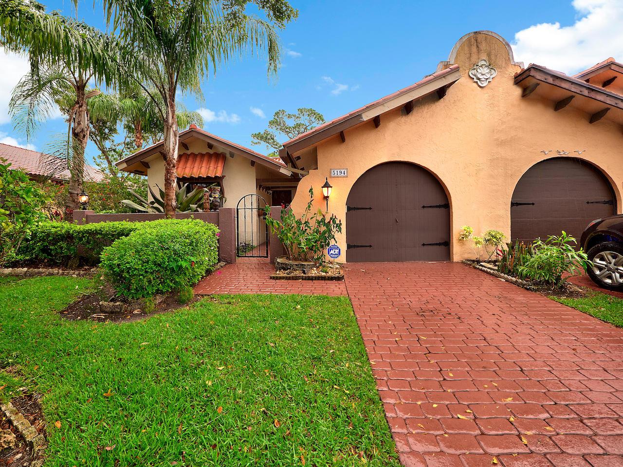 Home for sale in Casa Del Ray Delray Beach Florida