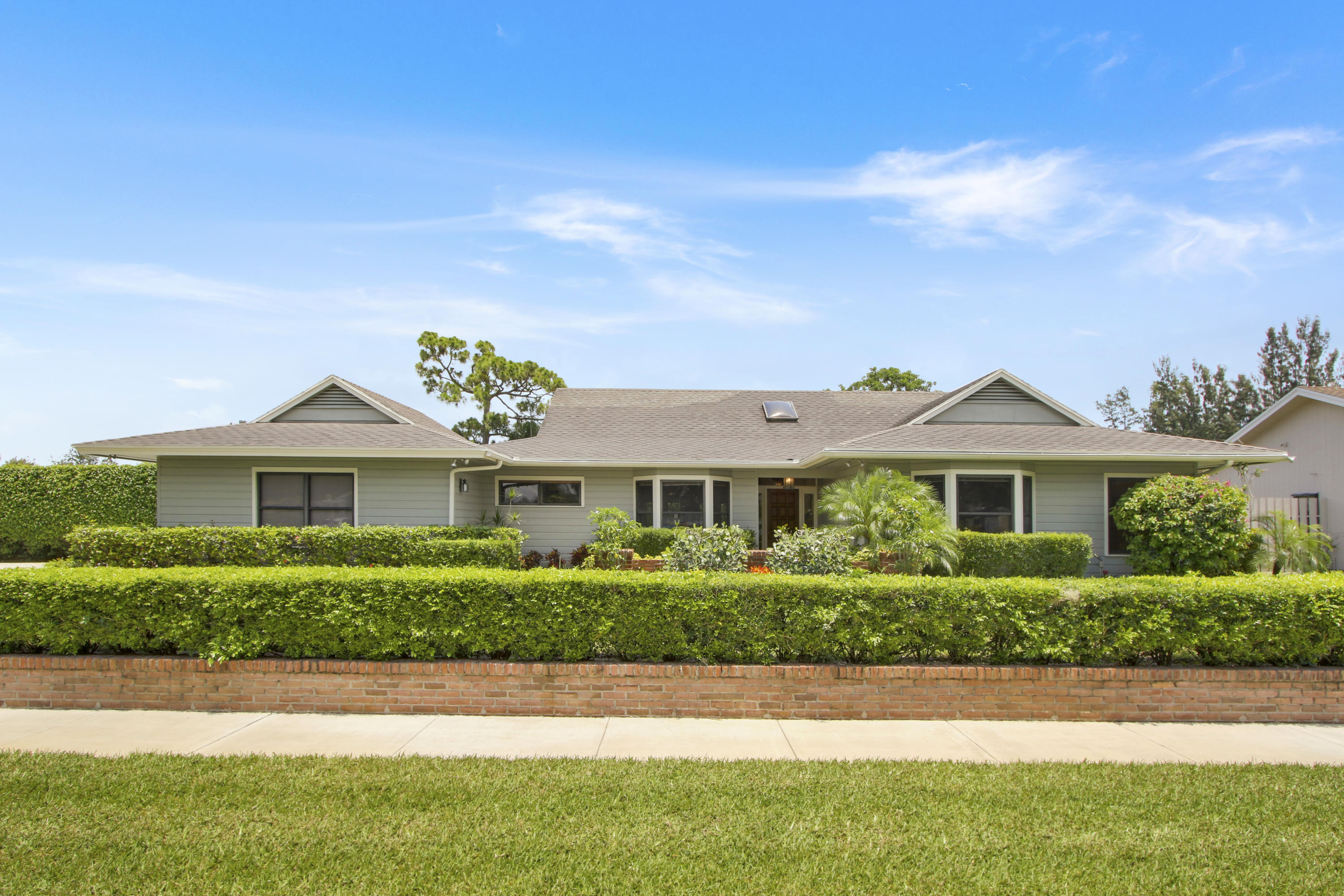Home for sale in BRIARWOOD NORTH Haverhill Florida