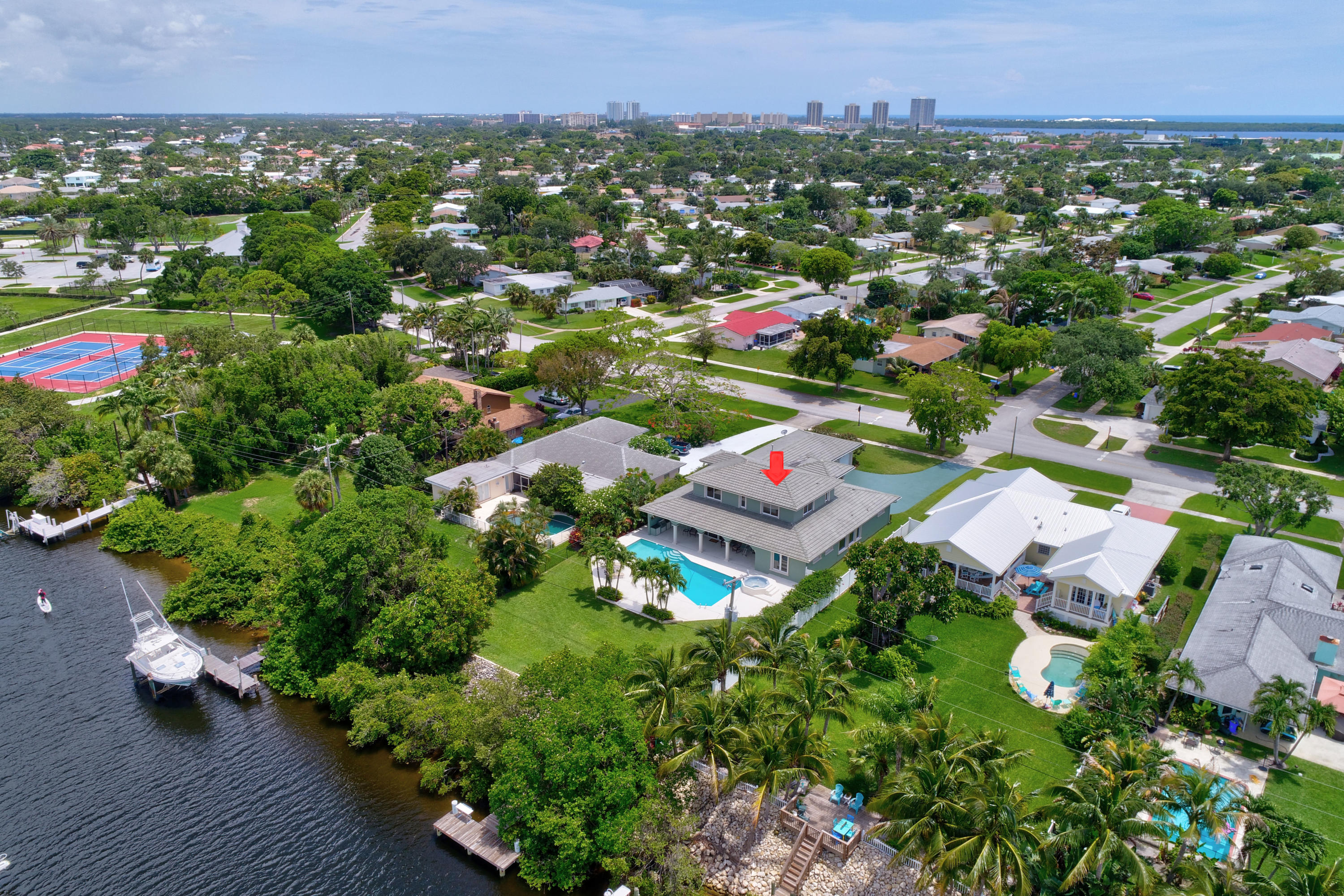 NORTH PALM BEACH VILLAGE OF PL 1  LT 32 BLK 3 &  16-42-43, NLY 9.62 FT OF C-17 CNL LYG S OF & ADJ TO