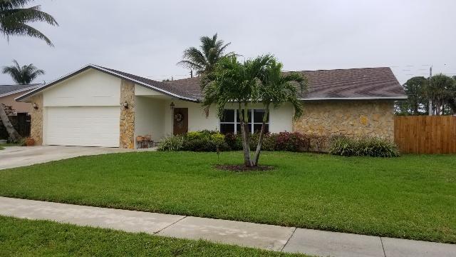 7645 Woodland Creek Lane Lake Worth, FL 33467