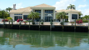 Yacht Harbor Manor In