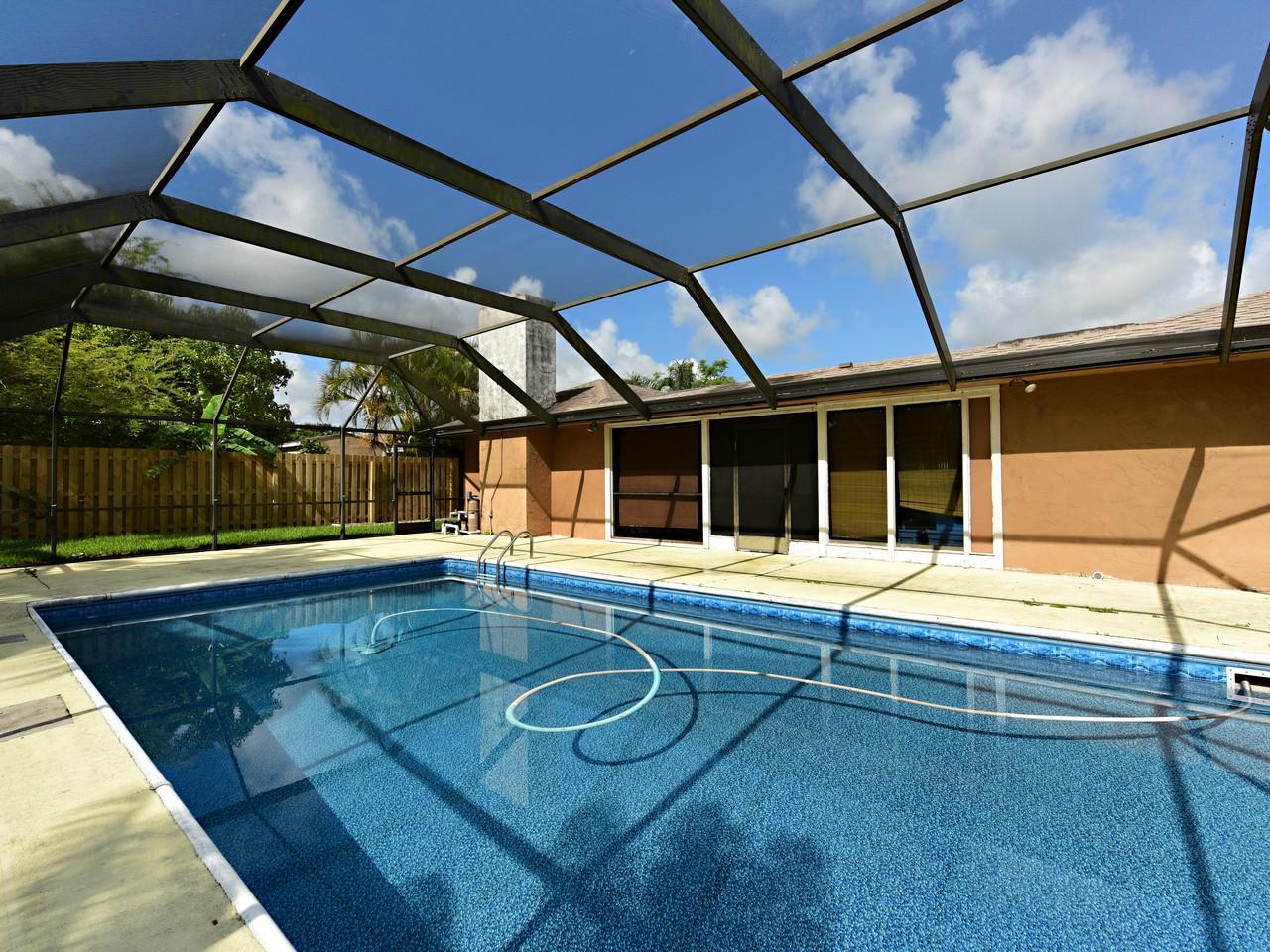106 Swan Parkway Royal Palm Beach, FL 33411 photo 6
