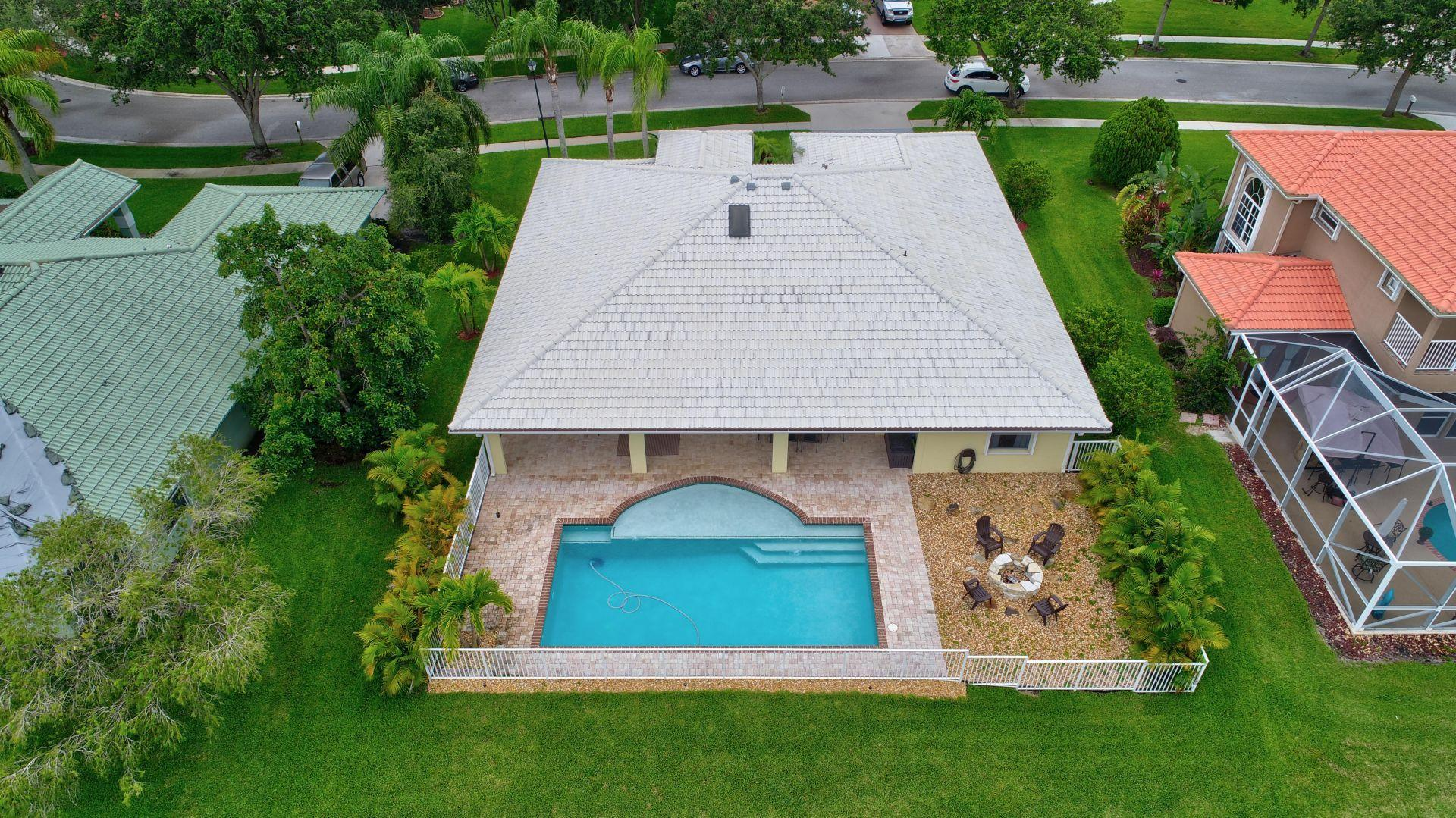 140 Kapok Royal Palm Beach, FL 33411 photo 3