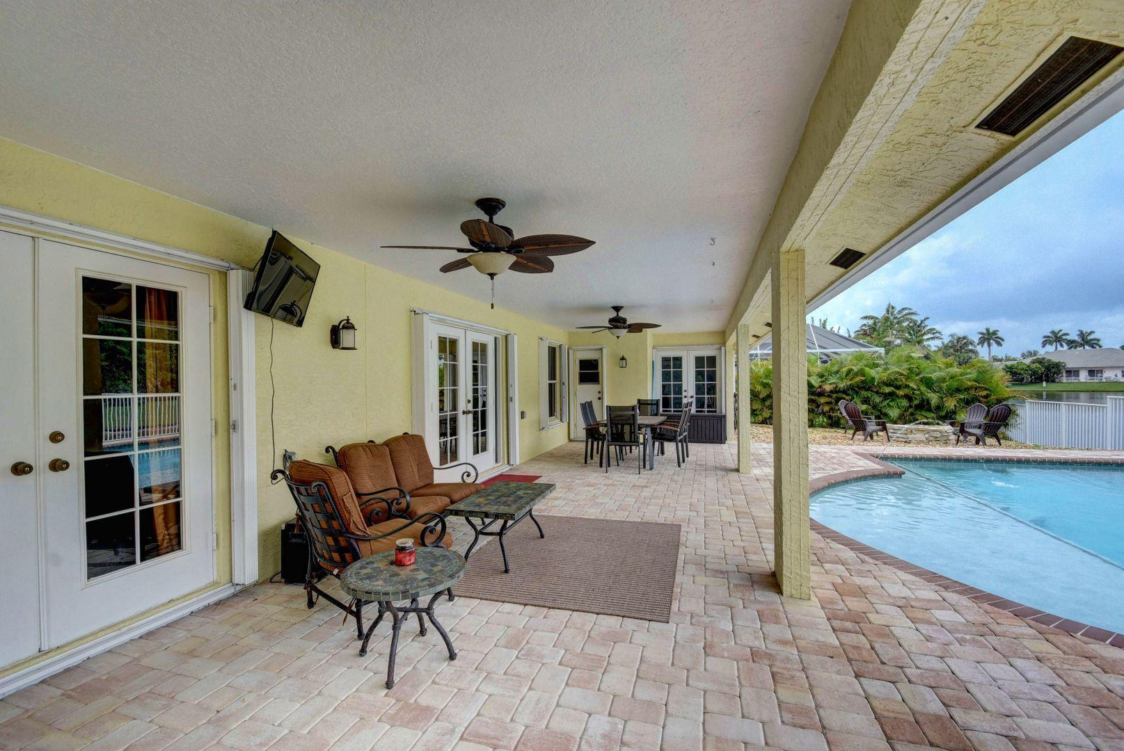 140 Kapok Royal Palm Beach, FL 33411 photo 21