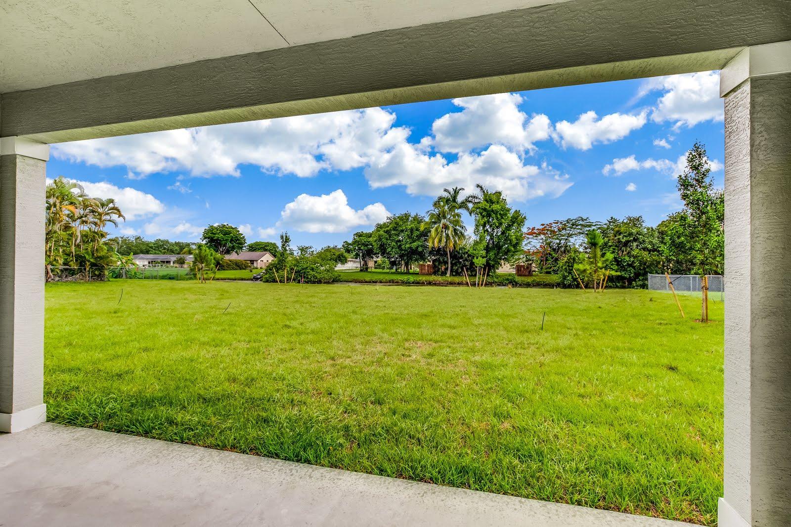138 Sparrow Drive B Royal Palm Beach, FL 33411 photo 13