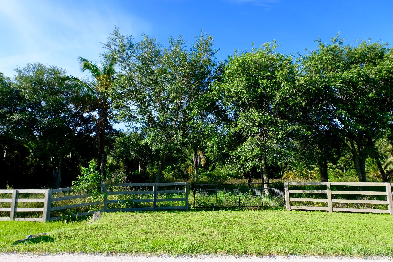 16428 Deer Path Lane Wellington, FL 33414