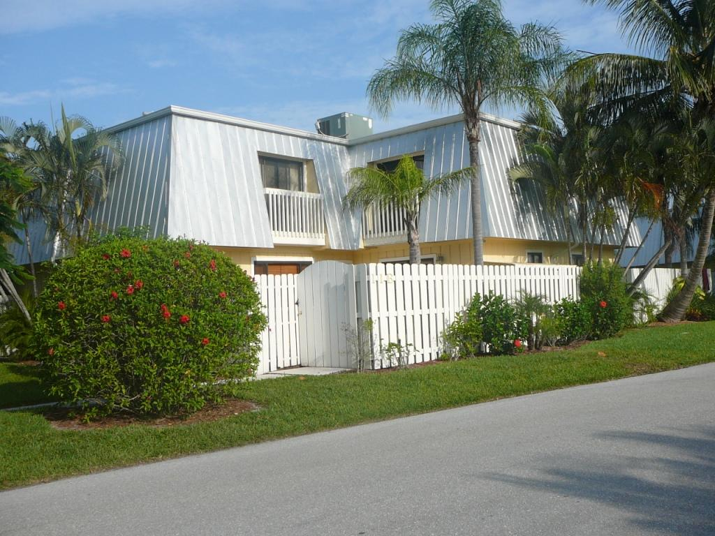 Home for sale in COPPOLA VILLAS Jupiter Florida