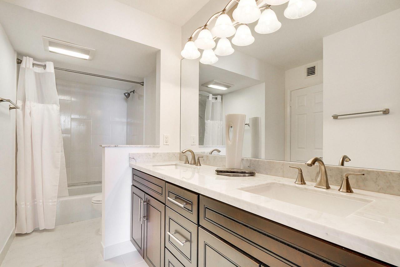 5380 Ocean Drive 14f, Singer Island, Florida 33404, 2 Bedrooms Bedrooms, ,2 BathroomsBathrooms,F,Condominium,Ocean,RX-10439569