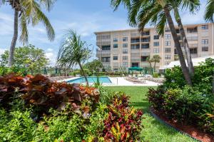 Palm Beach Harbour Club