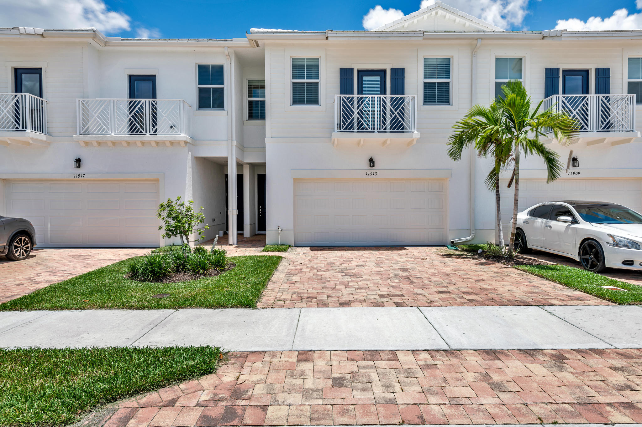 11913 Park Central Royal Palm Beach, FL 33411