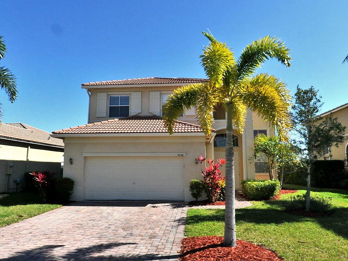 5534 Place Lake Drive, Fort Pierce, Florida 34951, 5 Bedrooms Bedrooms, ,3 BathroomsBathrooms,A,Single family,Place Lake,RX-10441909
