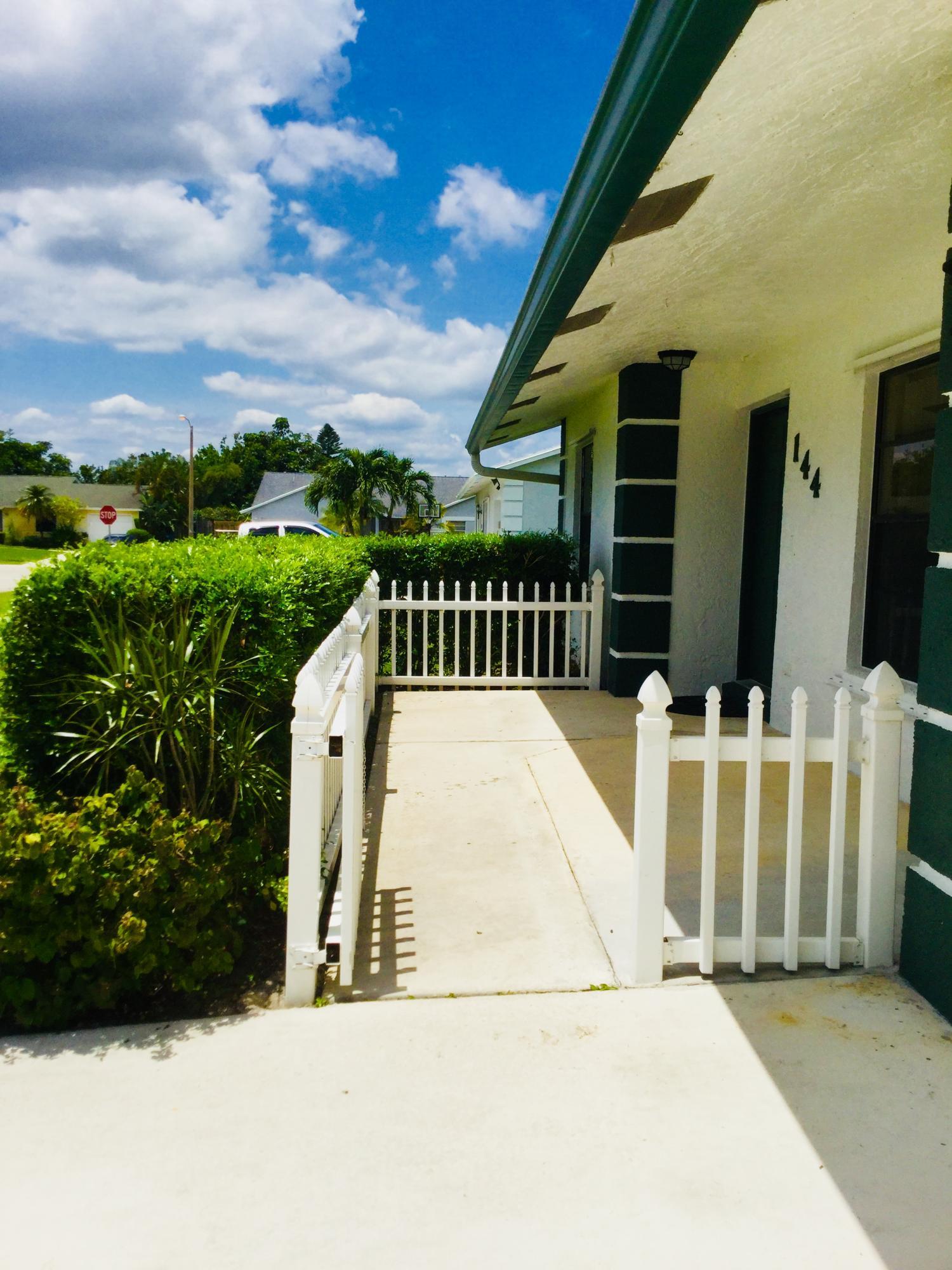 144 Cortes Avenue Royal Palm Beach, FL 33411 photo 3