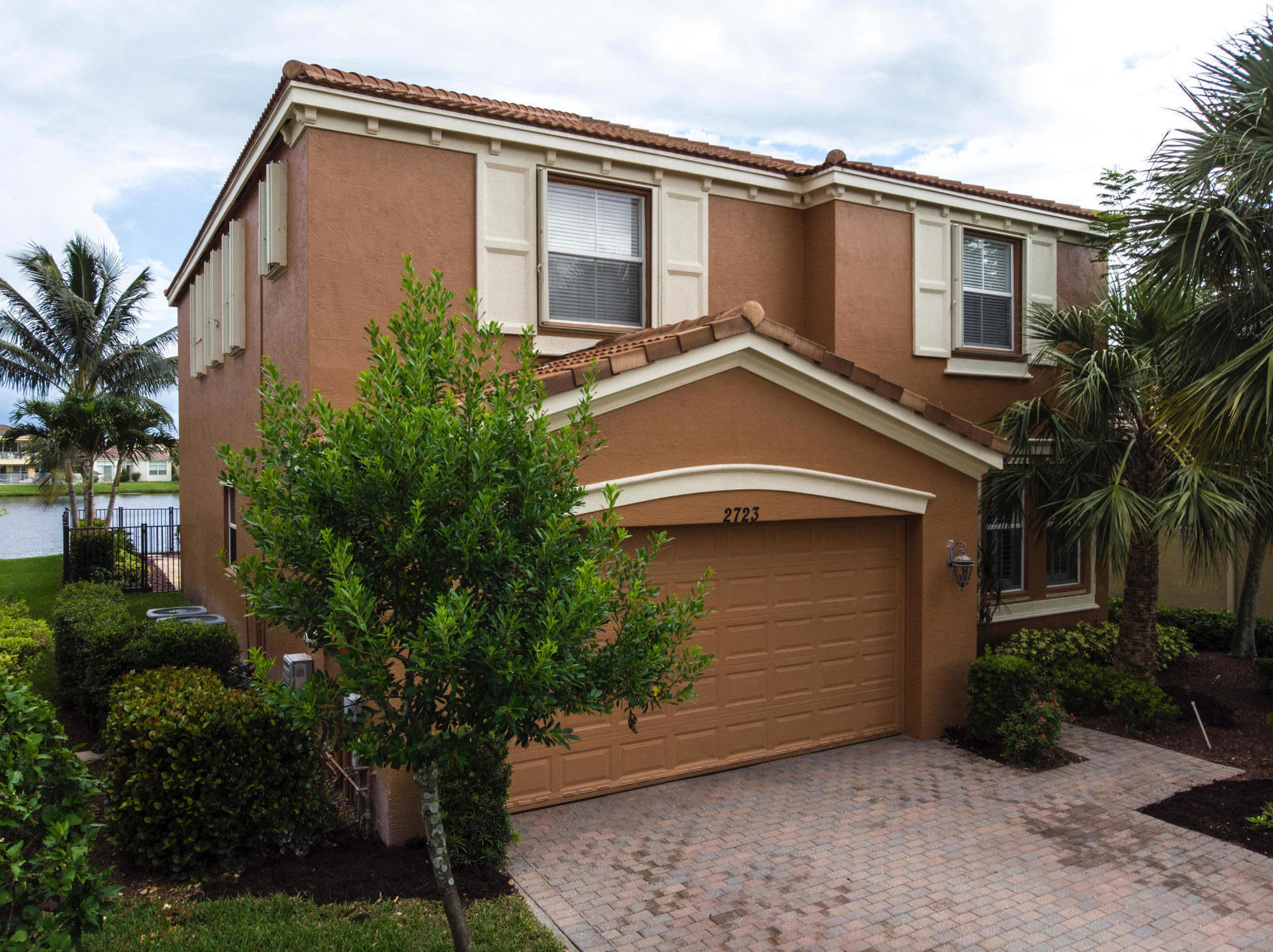 2723 Shaughnessy Drive Wellington, FL 33414 photo 2