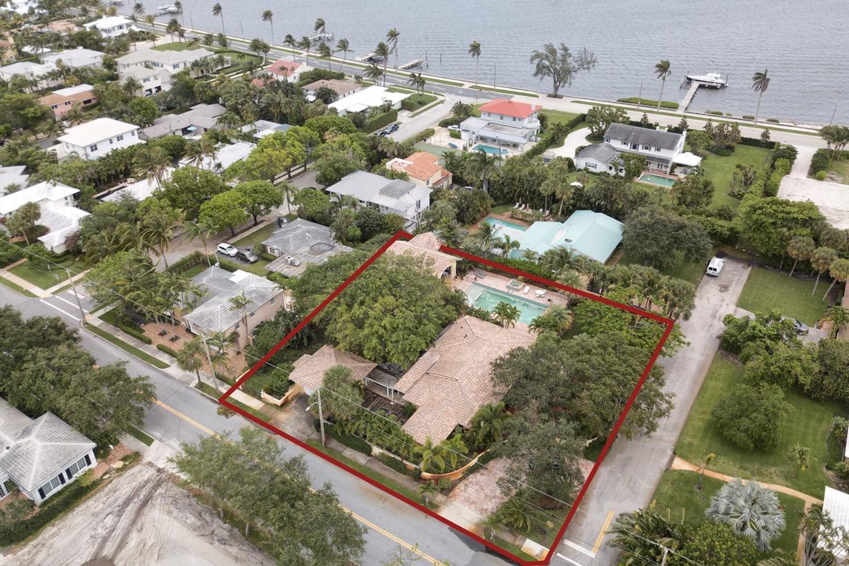 133 Miramar Way West Palm Beach, FL 33405 photo 1