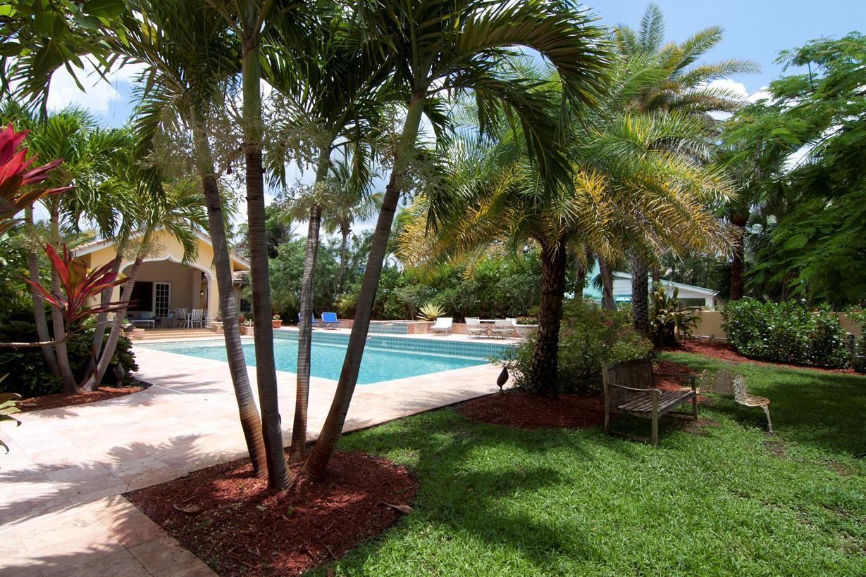 133 Miramar Way West Palm Beach, FL 33405 photo 8