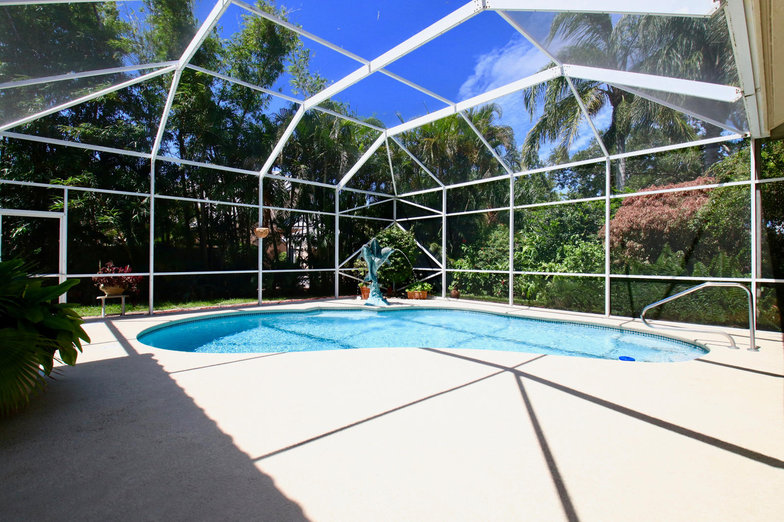 EASTWINDS LANDING TEQUESTA REAL ESTATE