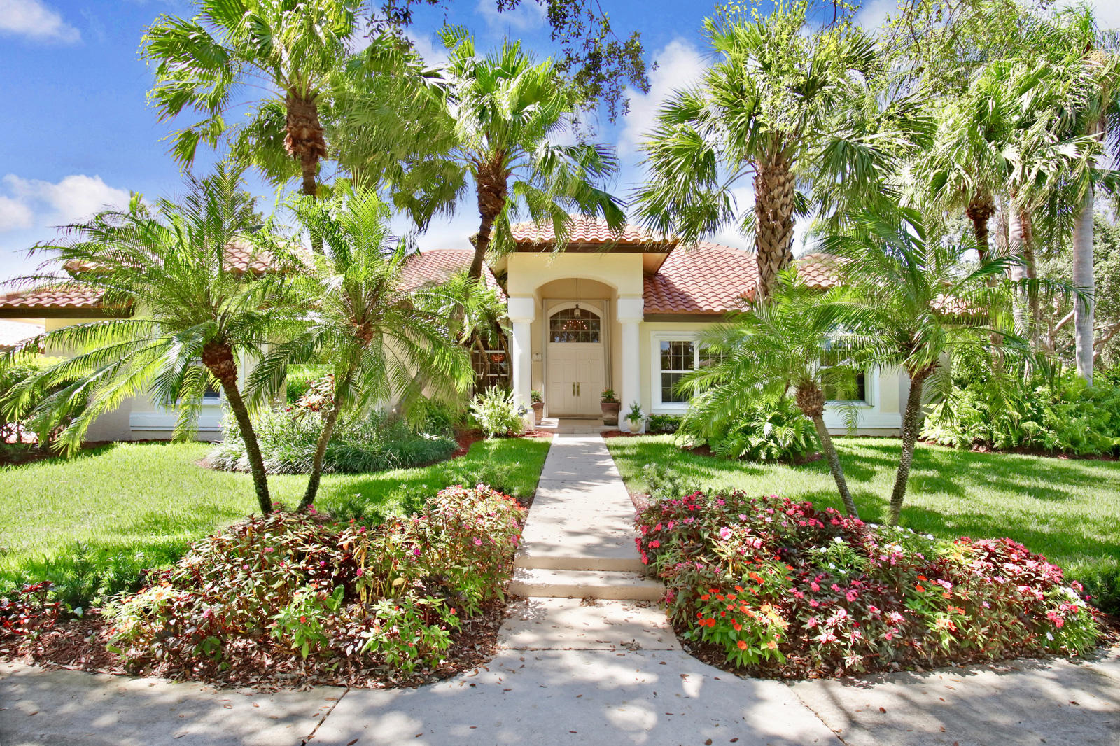 New Home for sale at 7 Eastwinds Circle in Tequesta