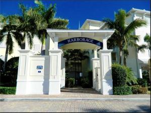 Harborage Yacht Club And Marin